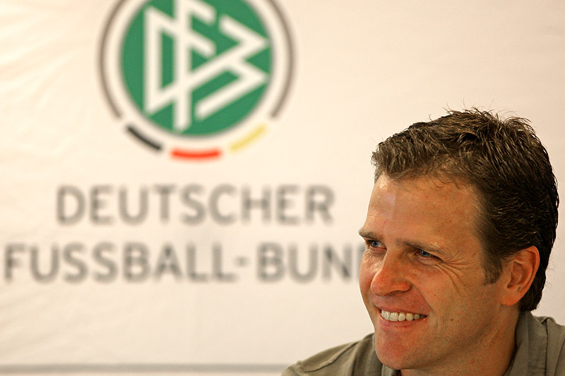 (c) by www.eastdesign.ch Weltfussball